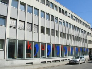 Fotografija pročelja Ministrstva za kulturo.