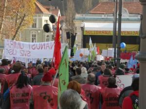Podpora Mirovnega inštituta demonstracijam 17. novembra 2012
