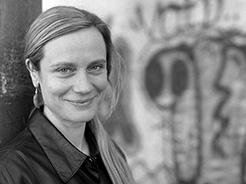 Metka Kuhar: portretna fotografija
