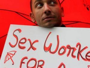 """""""Spolni delavci dobro vemo, kdaj je spolni odnos konsenzualen in kdaj smo žrtve nasilja"""""""