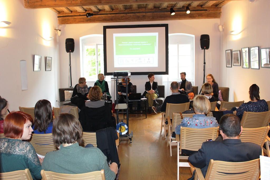 Javni posvet_zzivi enakosti spolov v osnovnosolskem kariernem svetovanju