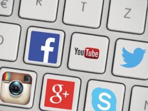 Priročnik za prijavljanje sovražnega govora na družbenih omrežjih