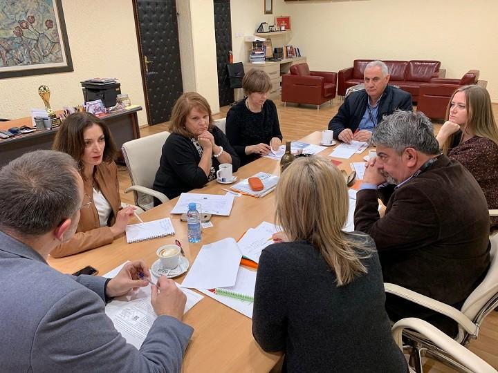 Ilinka Todorovski in Brankica Petković na sestanku z vodstvom RT Črna gora. Foto: RTČG