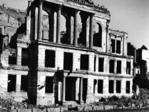 Pogovor ob izidu knjige 'Dvojna država', ključnega dela o nacistični diktaturi