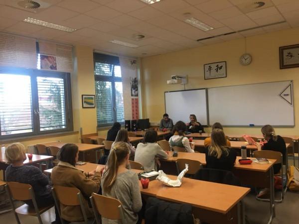 Delavnica o migracijah z dijaki_njami II. gimnazije Maribor.