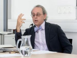 Roger Berkowitz o avtoritarnih liberalnih elitah, propagandi in porazu znanosti